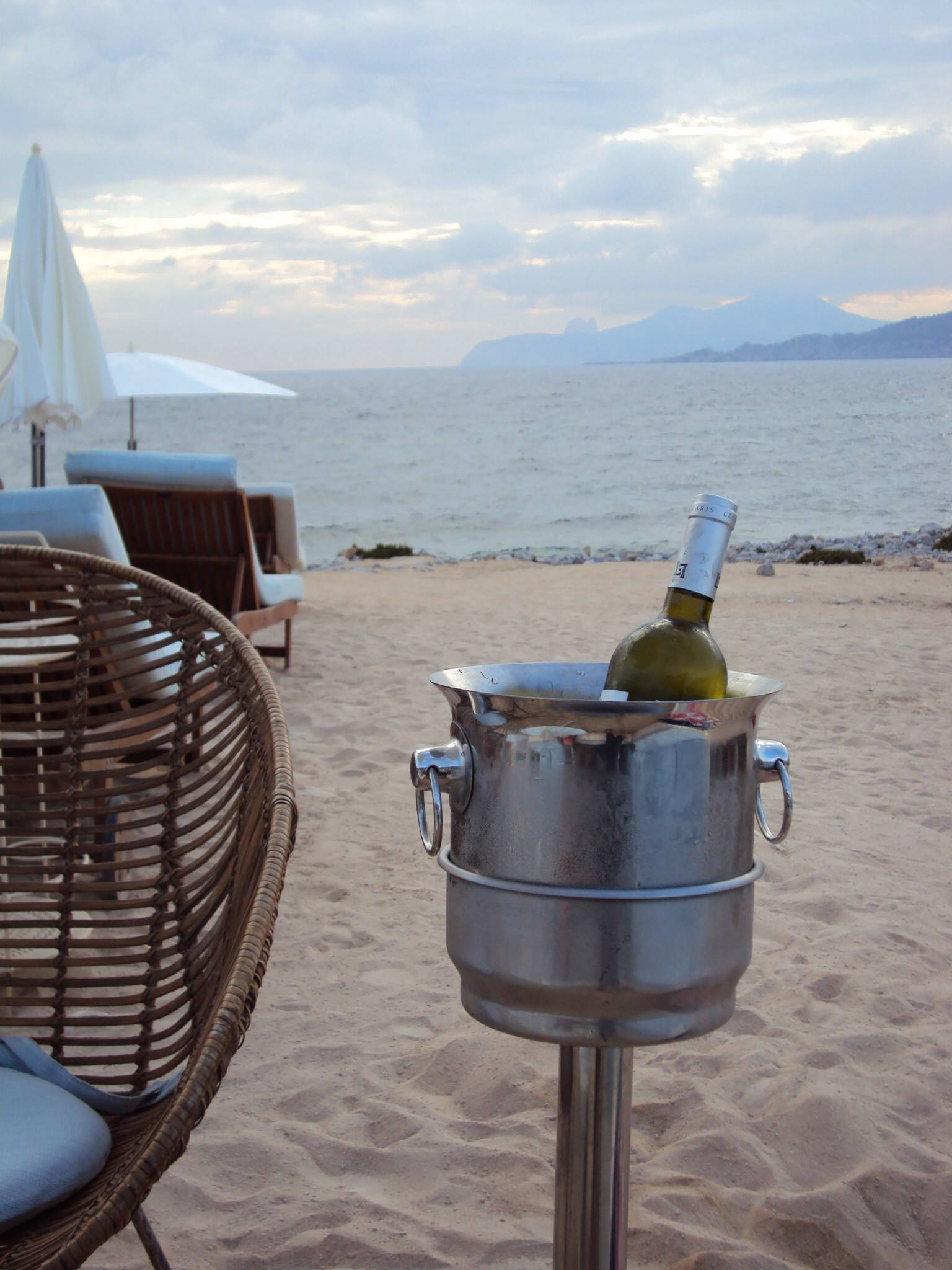Ibiza part one: our stay and some great beach clubs - Must