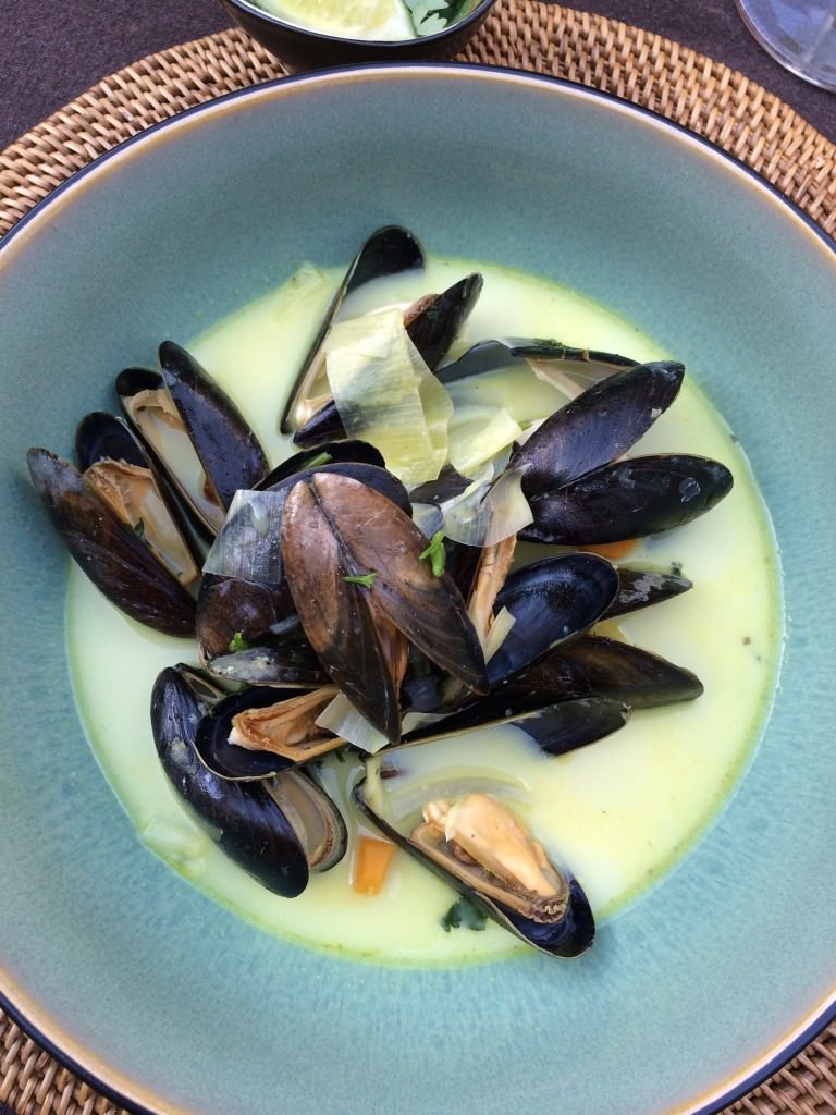 Mussels in a nice Thai flavored broth