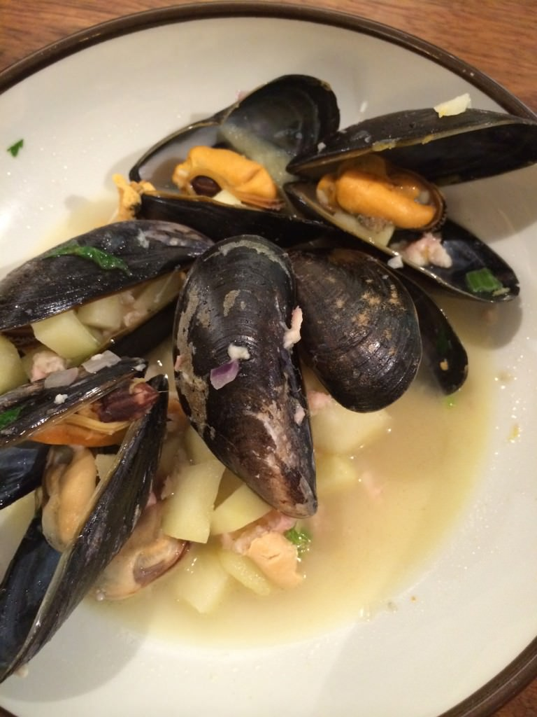 Very Fresh and Tasty mussels with smoked eel and apple - Yummie!!!