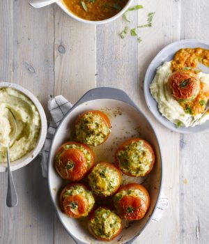 FILLED-TOMATO-WITH-MASHED-POTATOES-mpwxdvv0qada09fl2u4vv6b7ohwu3ejirpv90cazzg