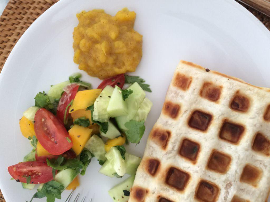 Wafeltje met kip en mango chutney