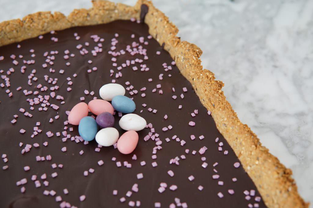 Chocolade Ganache Taart met krokante bodem van havervlokken