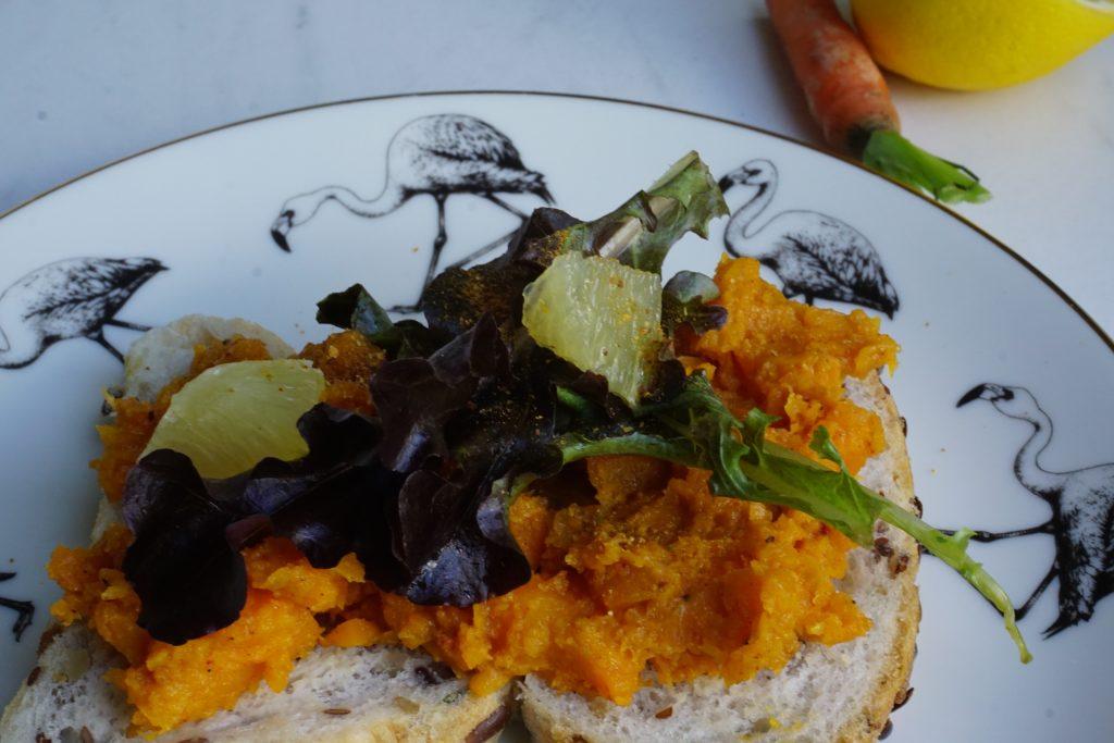 Veggie boterhammenspread: worteltapenade