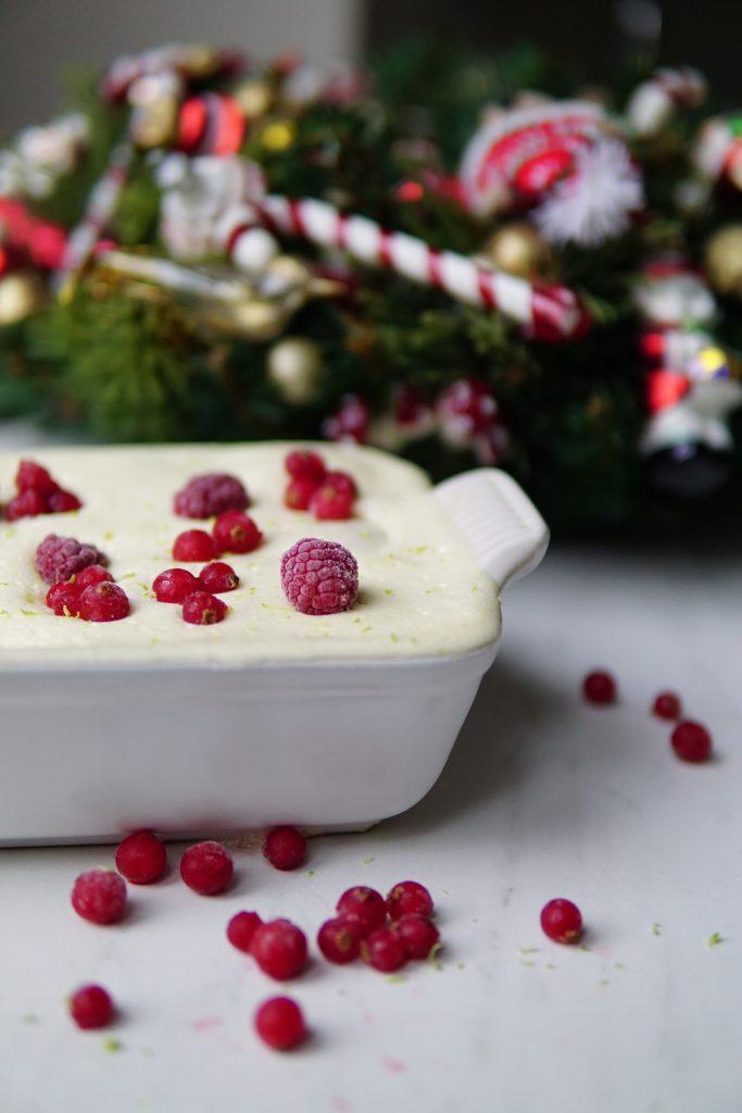 Tiramisu met limoen en rood fruit – een heerlijk dessertje voor kerstmis