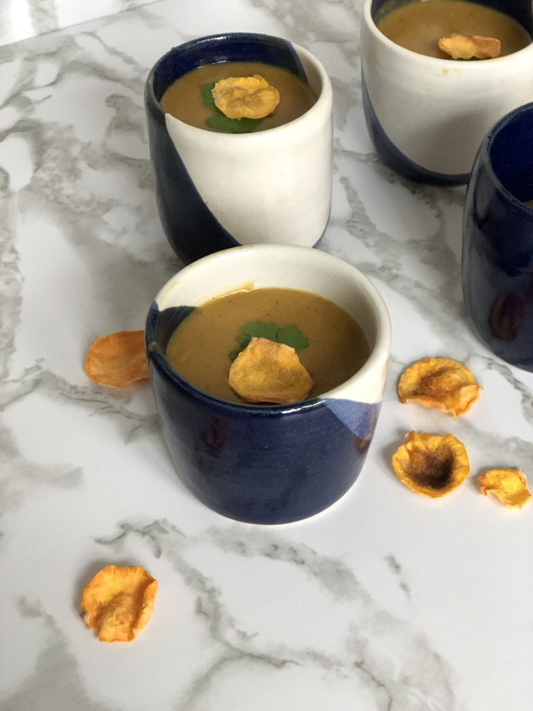 Soepje van zoete aardappel en rode curry