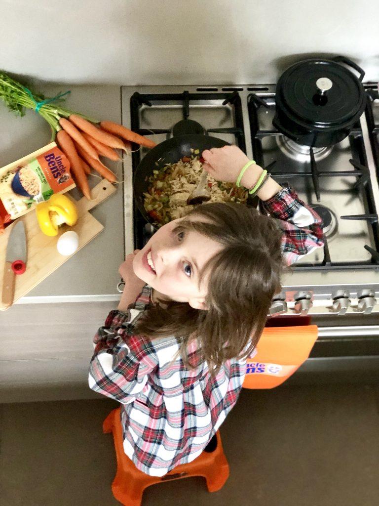 Snelle wok van de kids met rijst en ei