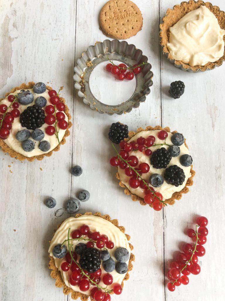 Frisse fruittaartjes die je niet moet bakken