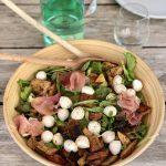 best of summer salade - kidsproof en glutenvrij lekkere panzanella met mozzarella en parma