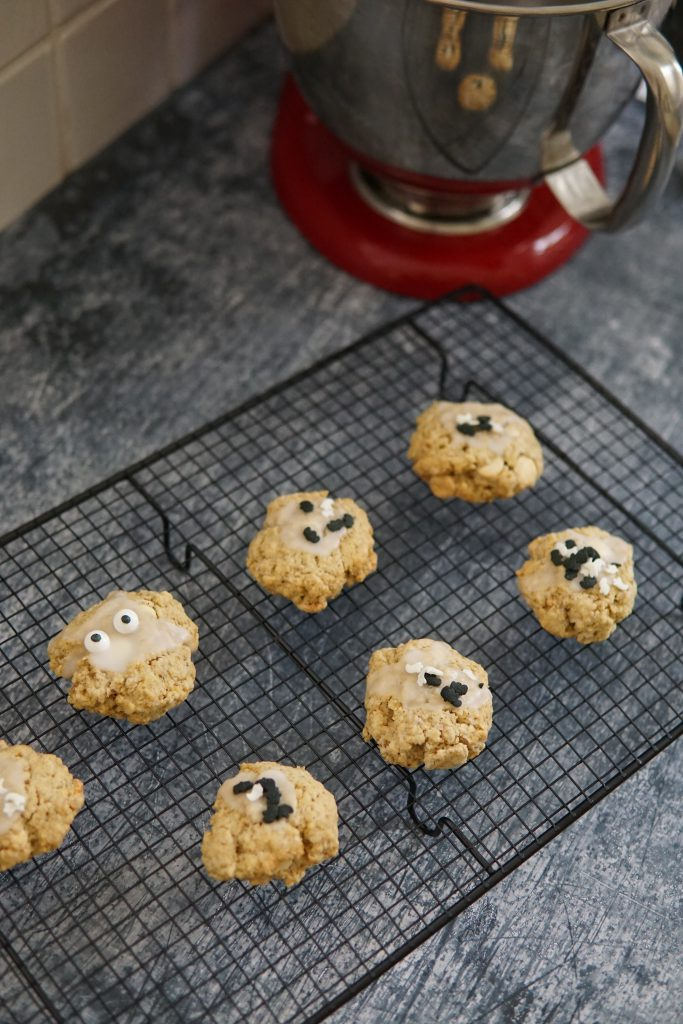Halloweencookies met havermout en witte chocolade