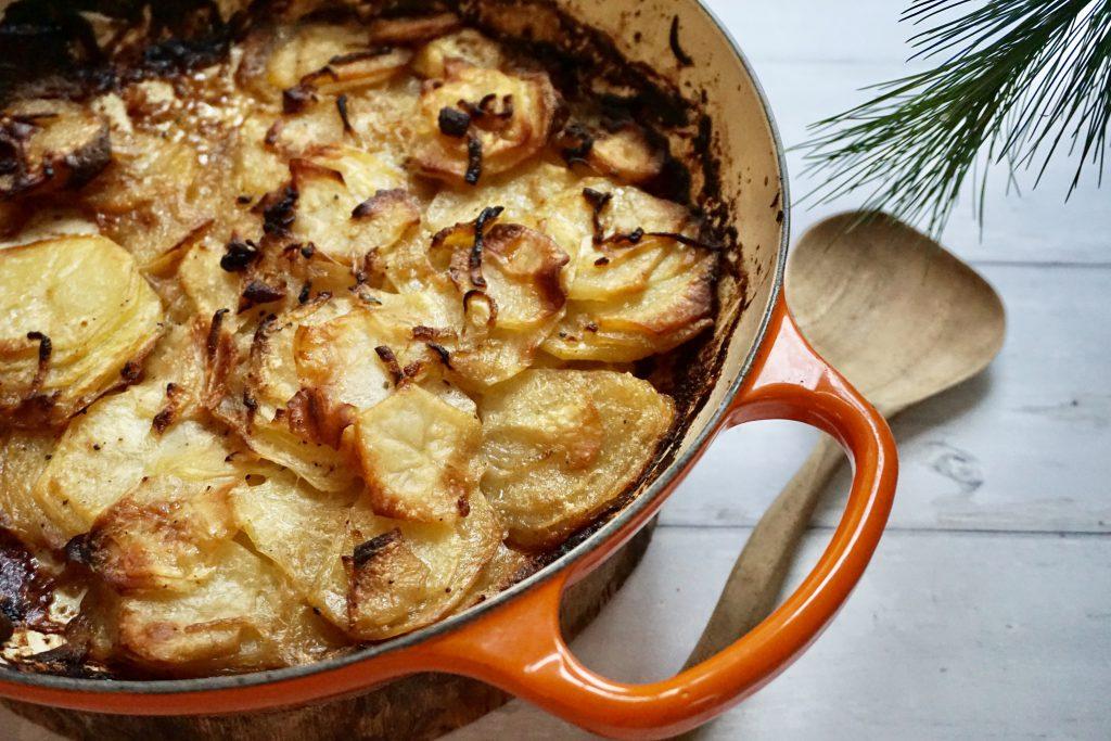 Frisse aardappelgratin met kokosroom en limoen