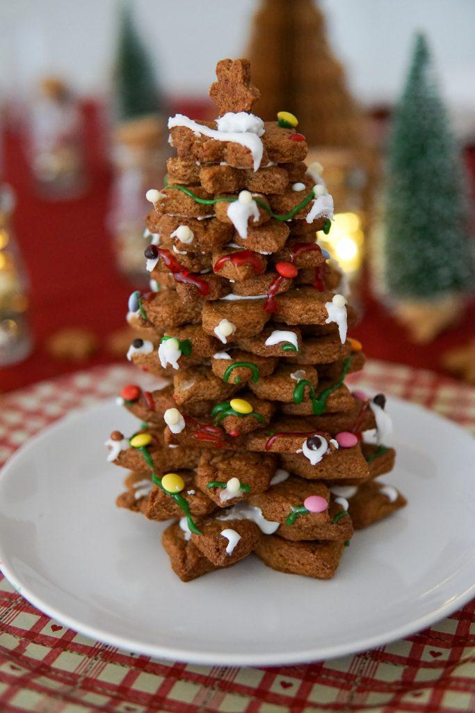 glutenvrije kerstboom van kaneelkoekjes