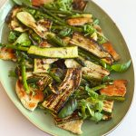 salade fattoush geroosterde courgette