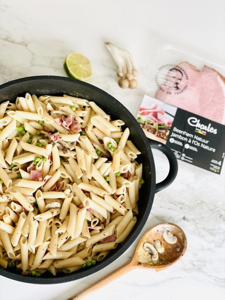Frisse one pot pasta met erwtjes, limoen en Charles beenham